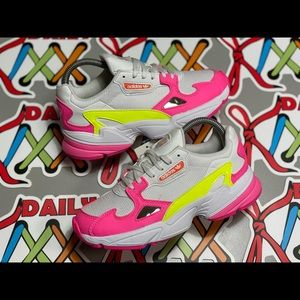 NEW Women's Adidas Falcon Wht/Pink sz6
